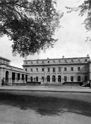 A view of the house in 1914 from Central Park.