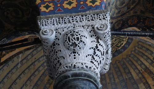 Composite capital at the Hagia Sophia. Note that the leaves are defined by a minimal carving out of their outline, preserving the overall bowl shape.